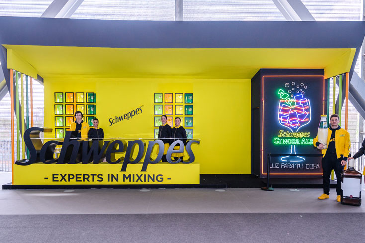 stand Schweppes