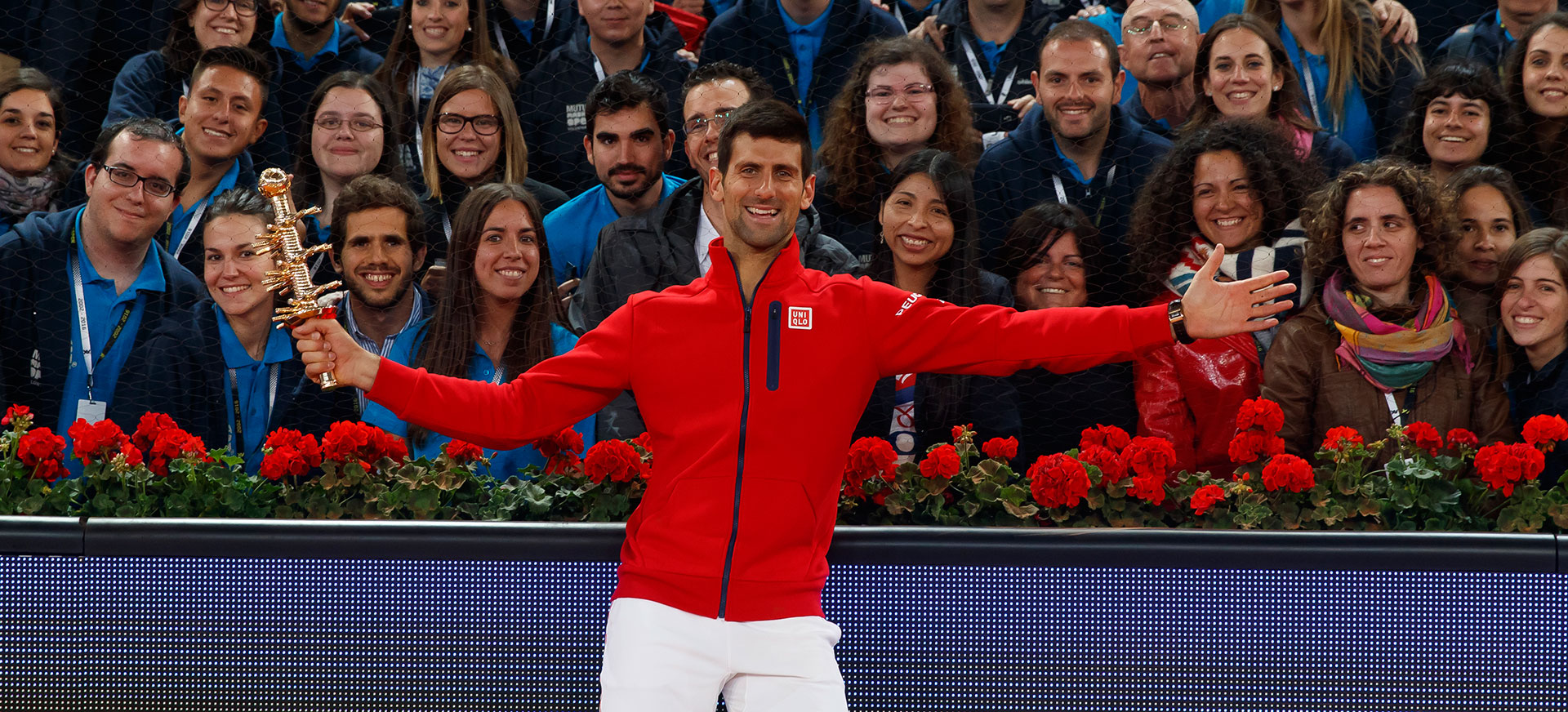 Voluntarios con Djokovic